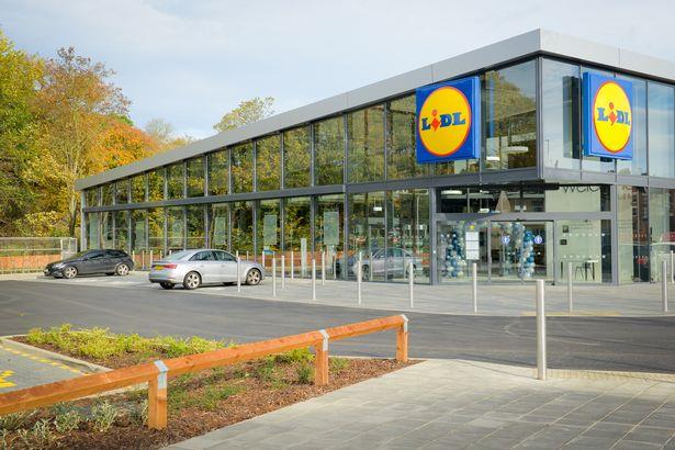Lidl Hayes Town Opens it's Doors